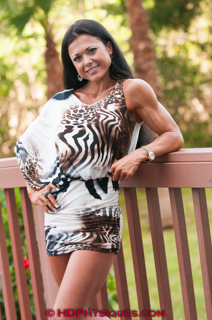 laurie schnelle physique model photos and video clips. Black Bedroom Furniture Sets. Home Design Ideas