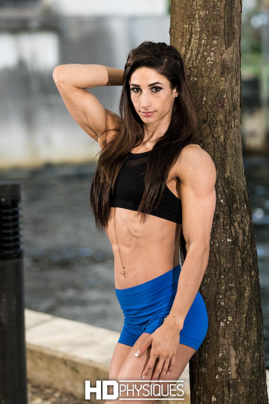 Aviva Rocks - Model page