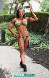 Look at those AMAZING LEGS! - Join PREMIUMPHYSIQUES.COM for the new Erin Twiggs shoot!
