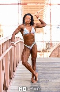 Check out the incredible muscles of Suzanne Davis - JOIN HDPhysiques today!