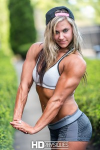 """""""Hippiemuscles"""" Sarena Berish is HOT - awesome muscularity and female power!  - JOIN HDPhysiques now and don't miss a thing!"""