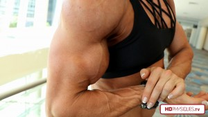 Katie's arms are the ULTIMATE - get her new CONTEST SHAPE video today at the Katie Lee Clips Studio at HDPhysiques.TV!