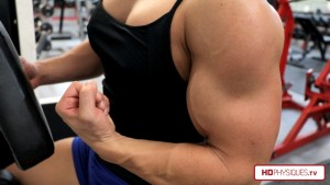 Look at that MASSIVE arm! Carli has gotten huge and ripped lately. Check out her new Clips Studio at HDPhysiquesTV!