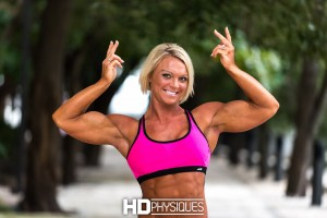 Click here for some CONTEST SHAPE Christine Moyer!