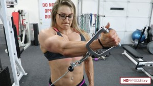 Beefynuggs is BIG and POWERFUL - get her latest clips today at the FemaleMuscleStore, by HDPhysiques.TV