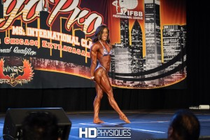 Sarah Villegas looked absolutely stunning, winning Women's Physique Division in her IFBB Pro debut.  Join HDPhysiques now for the 2018 Chicago Pro page!